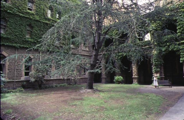 1 ormond college university of melbourne parkville courtyard