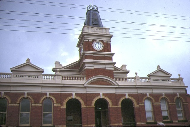 1 buninyong town hall front elevation dec1987