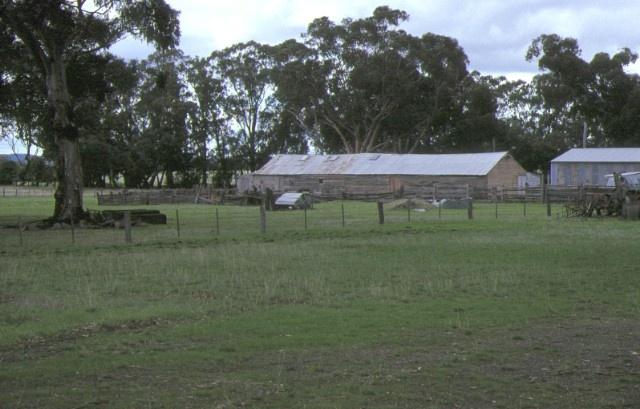 1 glenalbyn grange inglewood sheds & paddock