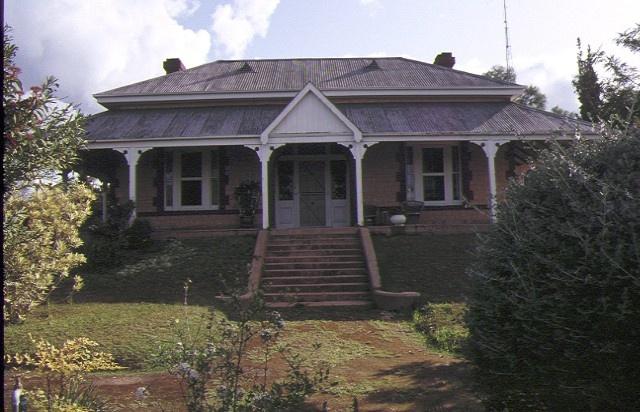 1 hopetoun house evenyl crescent hopetoun front view sep1992