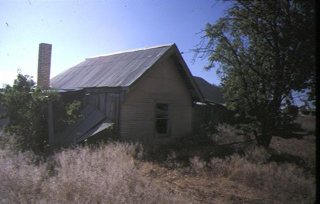 hopetoun house evelyn crescent hopetoun slab hut jan1985