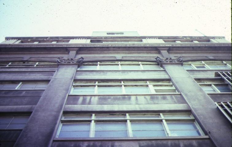 dovers building drewery lane melbourne detail of front windows nov1985