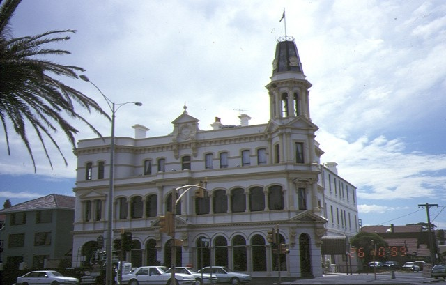 hotel victoria beaconsfield parade albert park front view