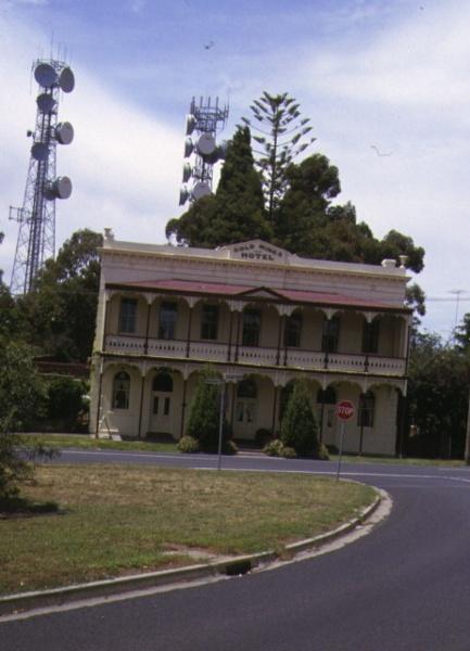 1 goldmines hotel bendigo front view dec1998
