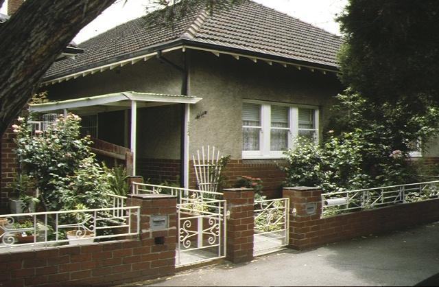 1 83 89 montague street south melbourne front gates & entrance