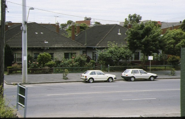 1 83 89 montague street south melbourne front view of row