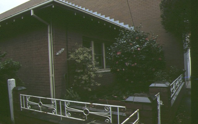 108 116 gladstone street south melbourne iron fence