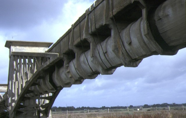 barwon river ovoid sewer aqueduct barwon river geelong view of bottom