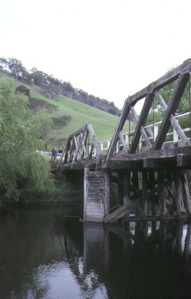 hinnomunjie bridge omeo side elevation