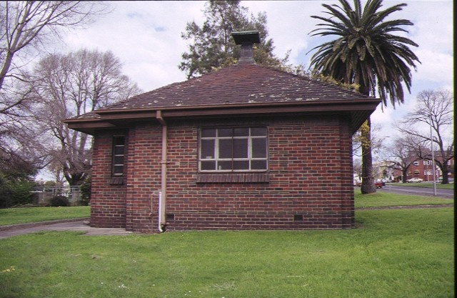 old men's shelter albert street east melbourne rear view