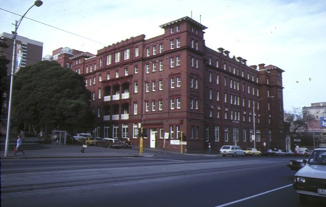 pre 1994 former queen victoria hospital lonsdale street melbourne a block corner view jul1984