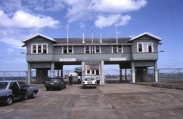 1 princes pier beach road port melbourne entry building front view