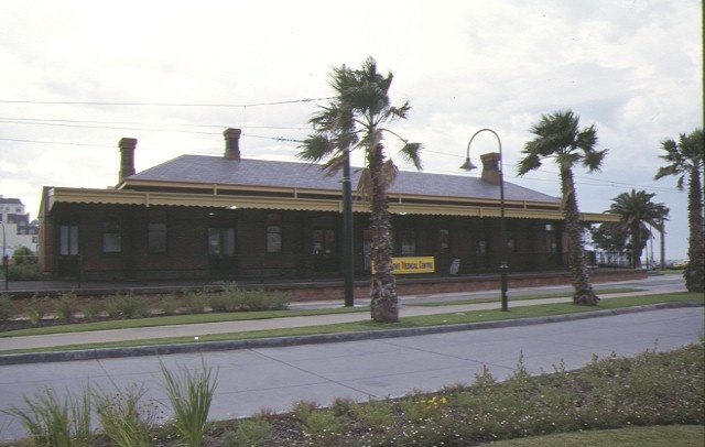 1 railway station complex beach road port melbourne front elevation mar1999