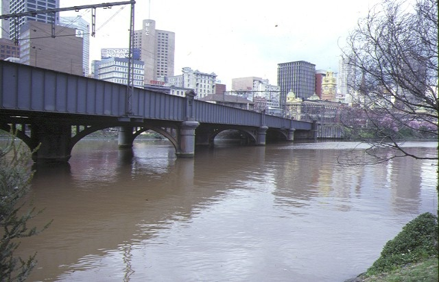 1 sandridge railway line bridge over yarra river melbourne view over river aug1985