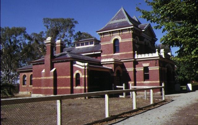 1 former benalla court house front corner view