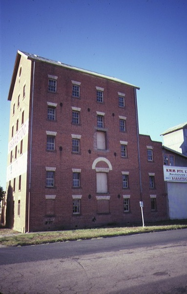 1 echuca flour mill side view of mill