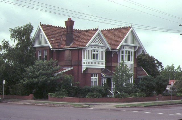 1 napier club thompson street hamilton front view nov1980