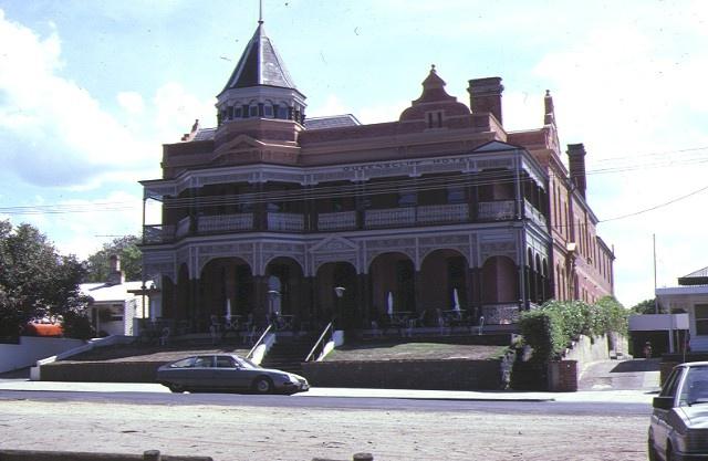 1 queenscliff hotel gellibrand street queenscliff front view mar1985