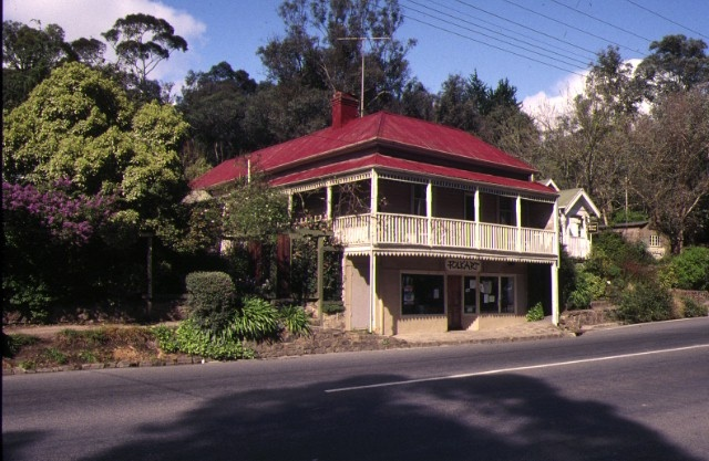 1 former warrandyte wine hall yarra street warrandyte front view