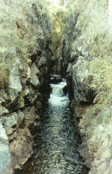 1 yackandandah creek gorge gold mining diversion sluice creek