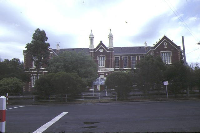 1 primary school number 1253 dorcas street south melbourne front view dec1984