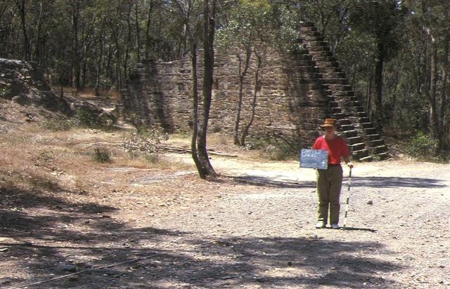 1 garfield waterwheel quartz gold mining site quartz hill track chewton front view jan1990