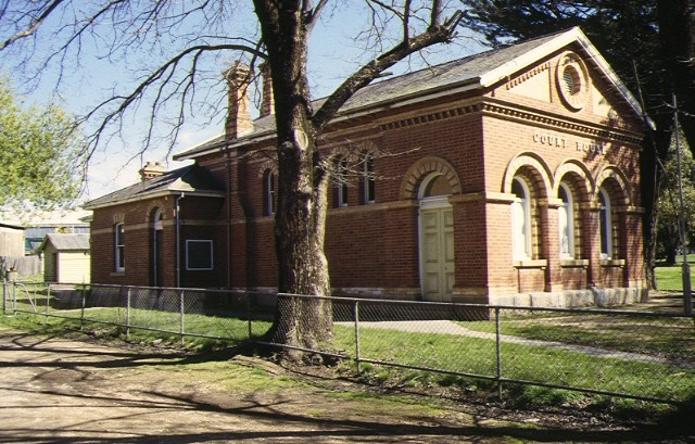 1 eaglehawk courthouse magistrates court & lockup courthouse front corner