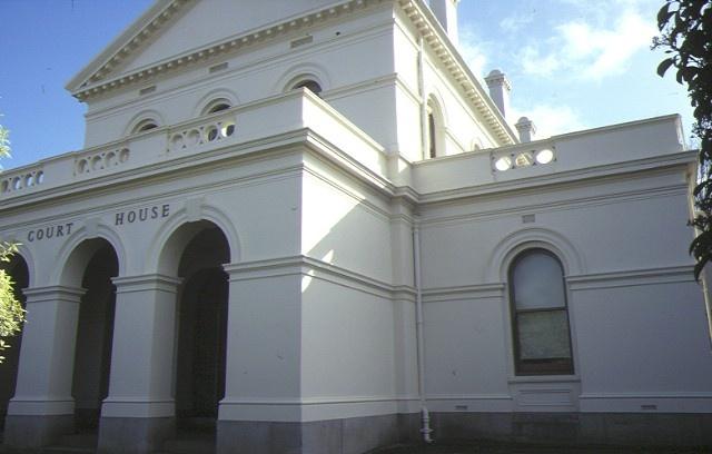 castlemiane court house lyttleton street castlemaine entrance detail aug1984