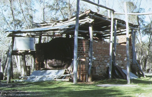 1 reudins eucalyptus distillery bendigo tennyson road bendigo front view