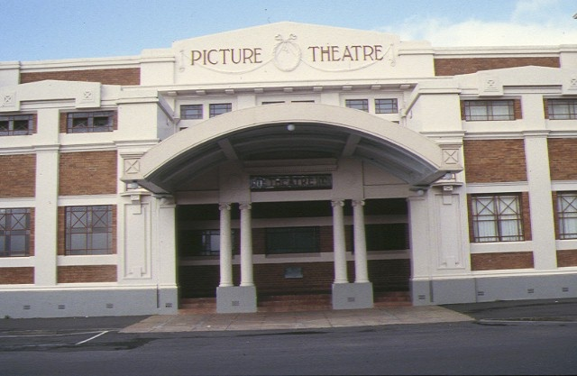 1 theatre royal & mechanics institute camperdown front view of theatre