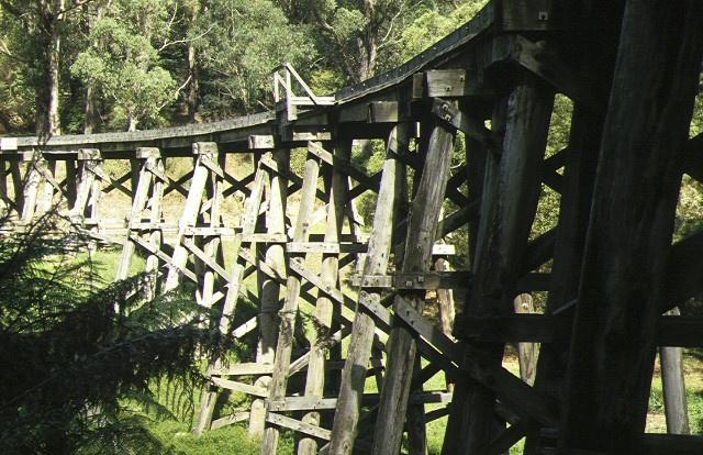 1 railway trestle bridge over monbulk creek selby side elevation apr1997
