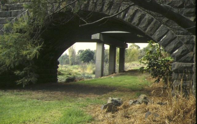 bridge newlands road coburg detail of arch may1997