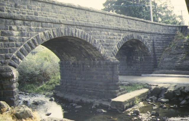 bridge newlands road coburg side detail