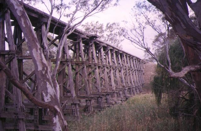 1 rail bridge over mollisons creek pyalong side elevation apr1995