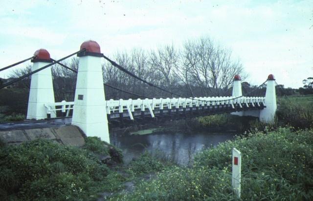 1 bridge over merri river warrnambool side view may1984