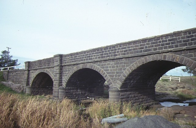 1 rothwell bridge over little river werribee side view jul1984