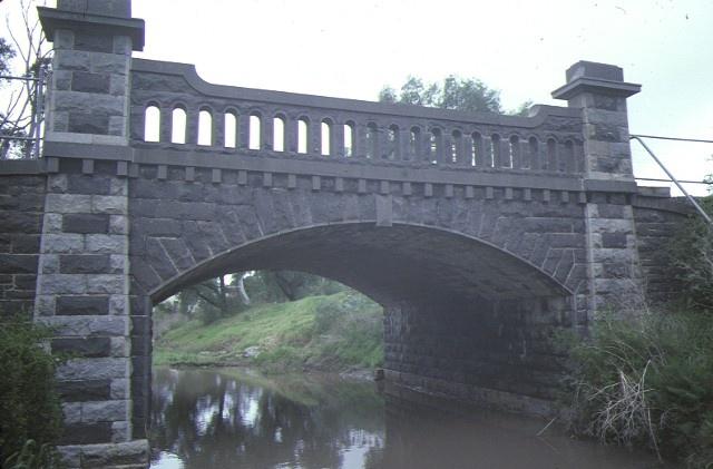 1 bridge over moonee ponds creek westmeadows front view sep1984