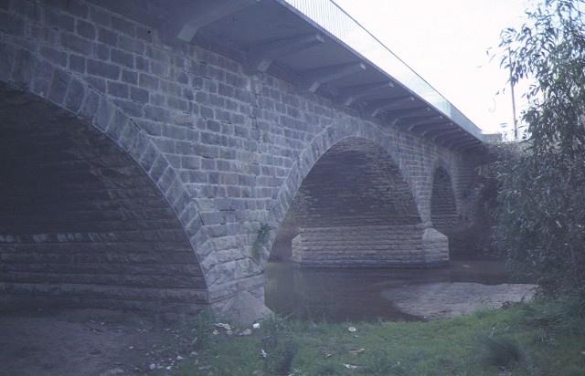 1 bridge over barwon river winchelsea arch detail jun1984