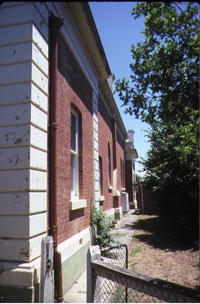 echuca court house side elevation dec1983