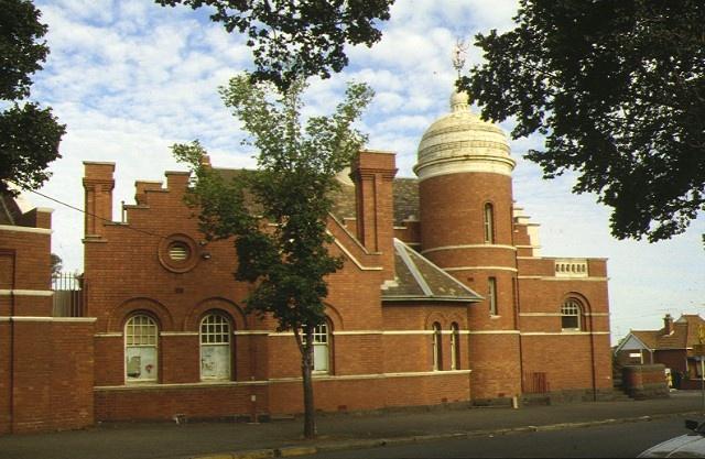 former flemington court house wellington street flemington tower side mar1990