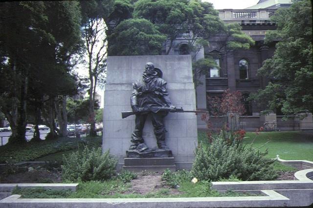 state library of victoria & national museum complex war statue on la trobe street corner jan1985