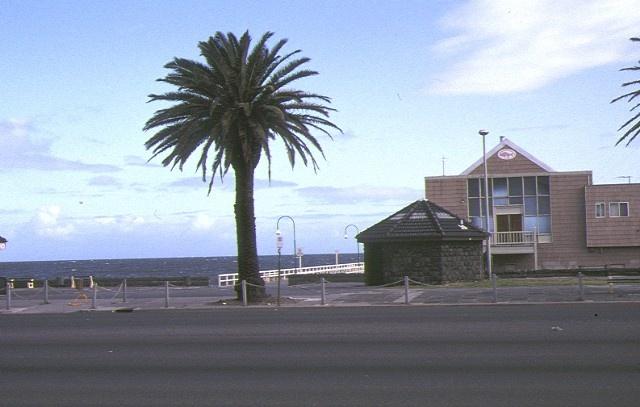 pier off kerford road albert park street view sep1992