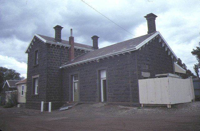 bannockburn railway station front elevation front elevation aug1984