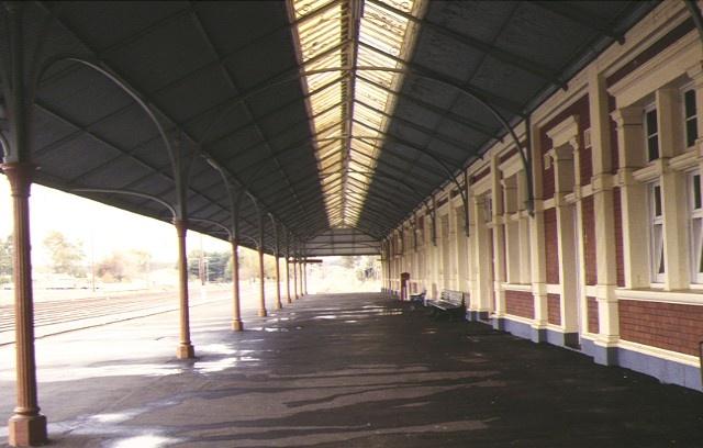 maryborough railway station platform view