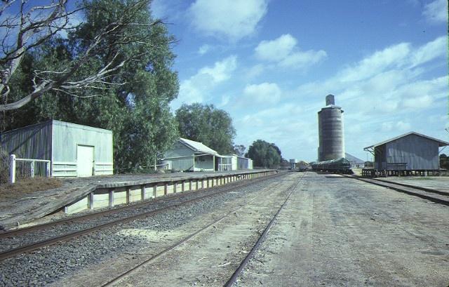 murrayville railway station mckenzie street murrayville property view aug1984