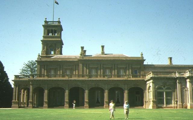 1 werribee mansion, k road side view