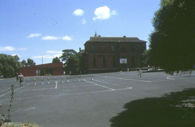 1 primary school number 1360 gold street clifton hill view of yard