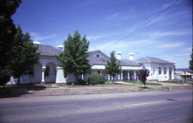 alexandra court house & shire hall street view feb1985