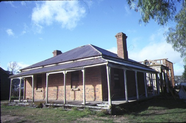 1 former police residence davey street avoca front view aug1984