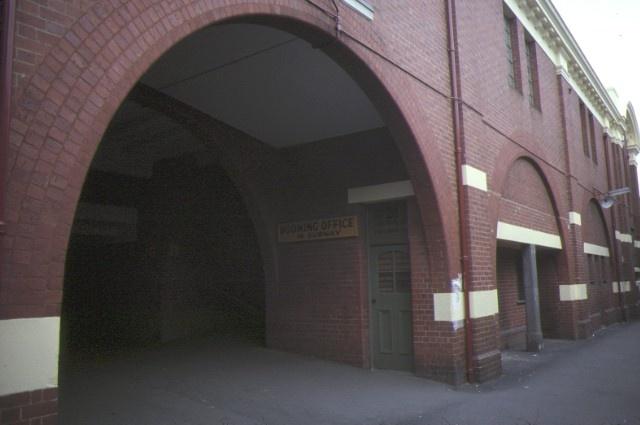 glenferrie railway station hawthorn arch detail jun1984